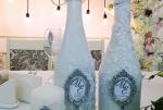 Классическое оформление свадебного шампанского